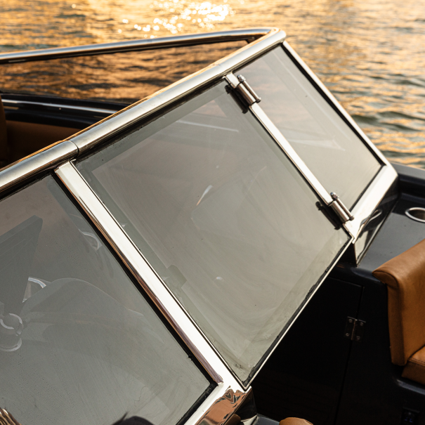 windshield magonis electric boat